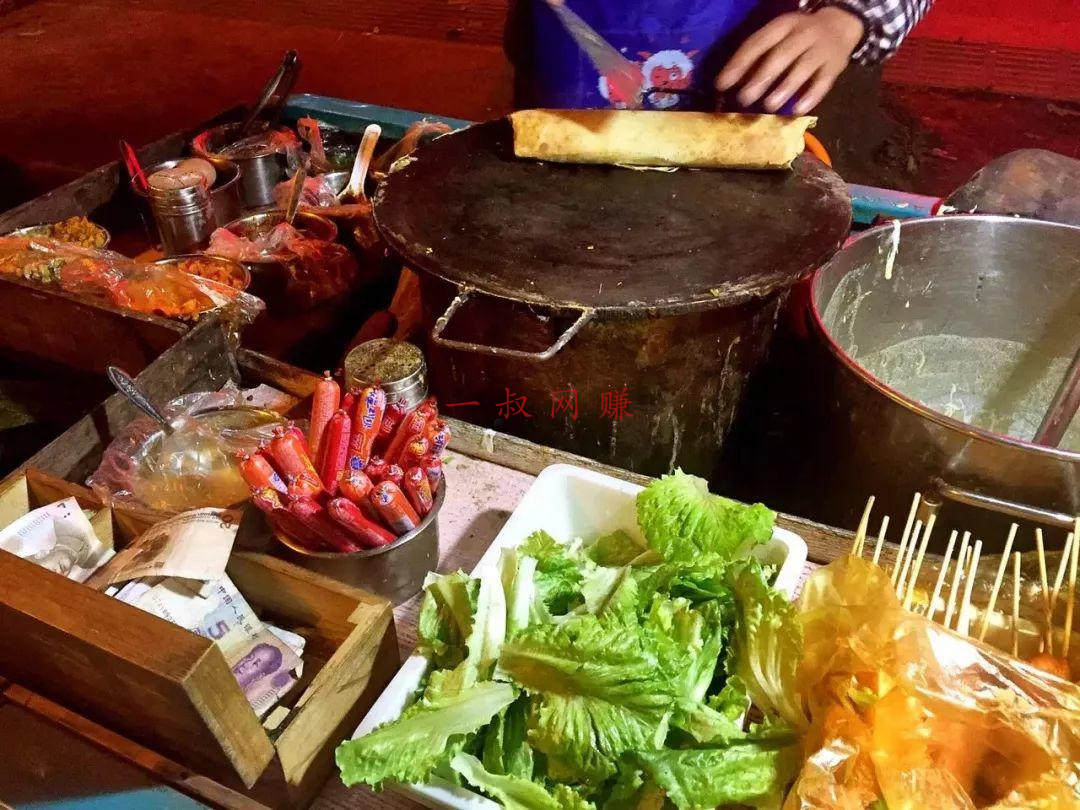 一家 3 口摆地摊卖煎饼,月收入 6 万,在杭州全款买房 _ 最挣钱没人干的行业胶子机,哪里可以做模特兼职工作插图